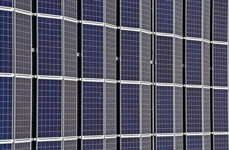 Spar mange penge på strøm med lamper, der bruger solenergi
